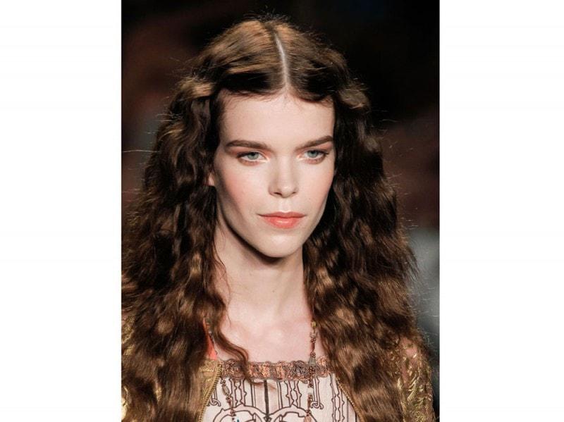 acconciature-capelli-ricci-04