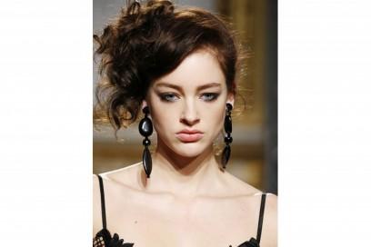 acconciature-capelli-ricci-corti-11