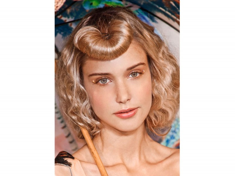 acconciature-capelli-ricci-media-lunghezza-13