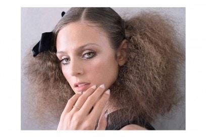 acconciature-capelli-ricci-semi-raccolti-05