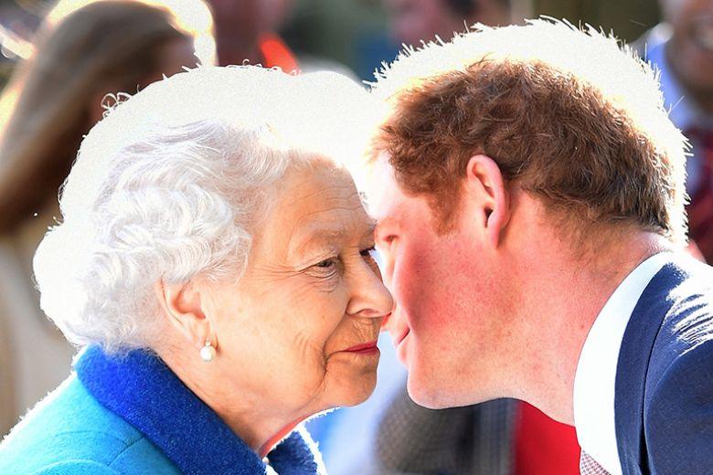 Perché al principe Harry serve il permesso della Regina per sposarsi