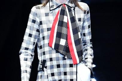 foulard-annodati-al-collo