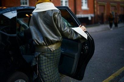 london street style 17 giacca pelle gonna quadretti