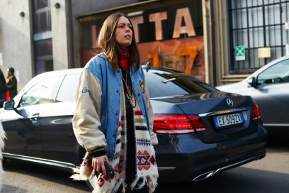milano street style 17 bomber jeans