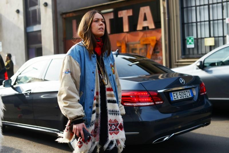 milano street style 17 bomber jeans