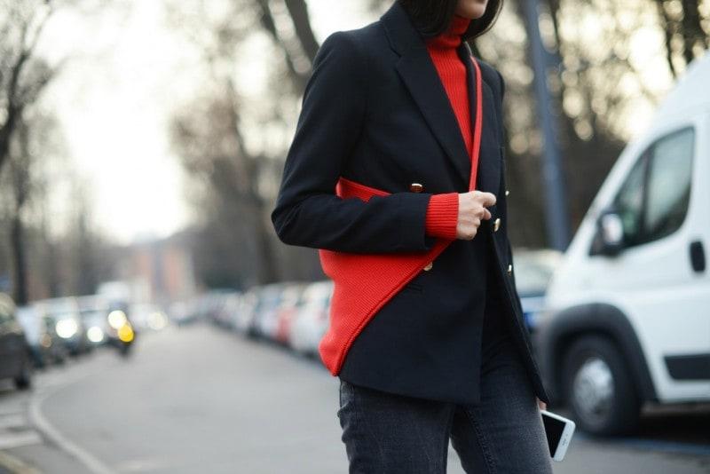 milano street style 17 dettaglio rosso