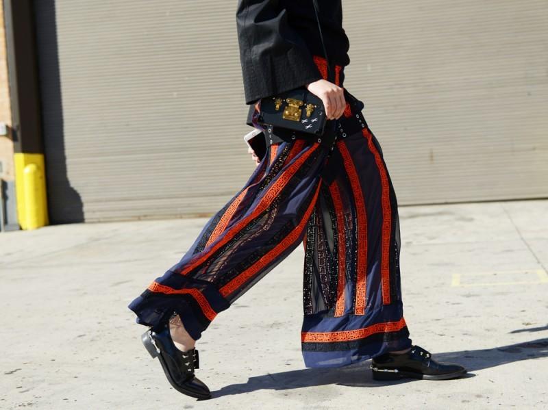 new-york-day-4-pantaloni-ampi-ricamati-800×599