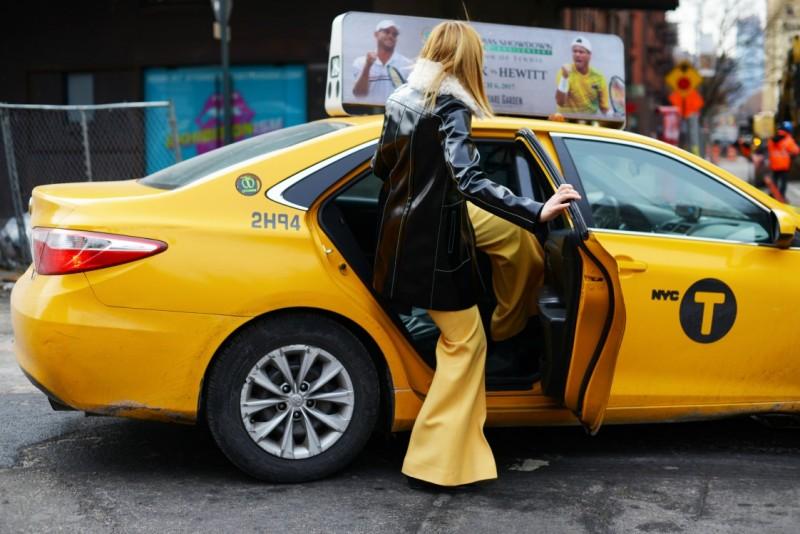 new york street style 17 panta gialli