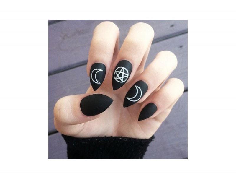 nail art black