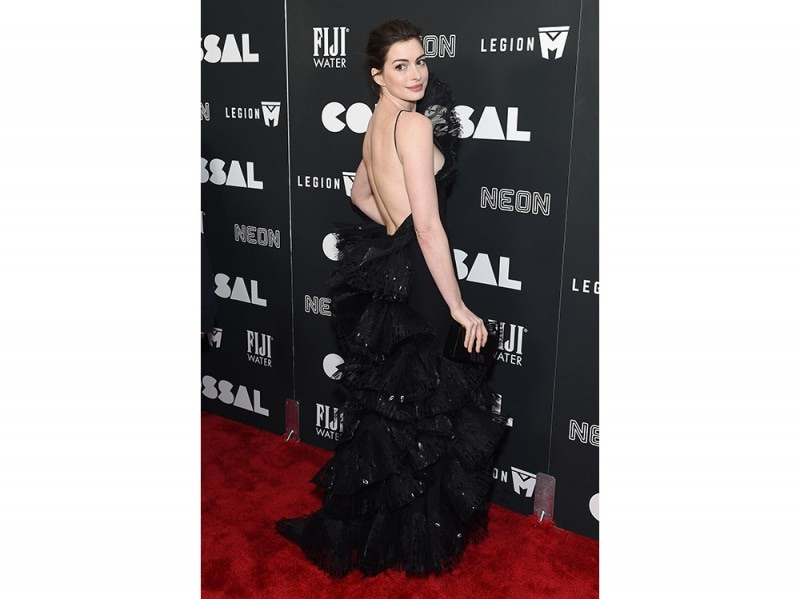 Anne-Hathaway-in-Armani-Prive-getty