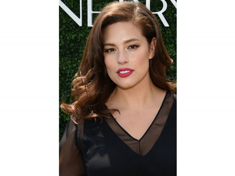 Ashley Graham beauty look trucco capelli (10)