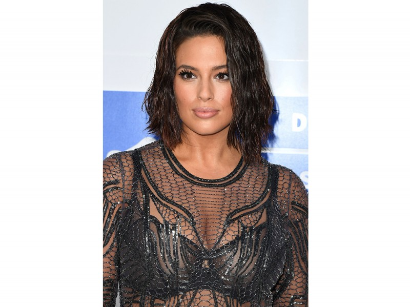 Ashley Graham beauty look trucco capelli (11)