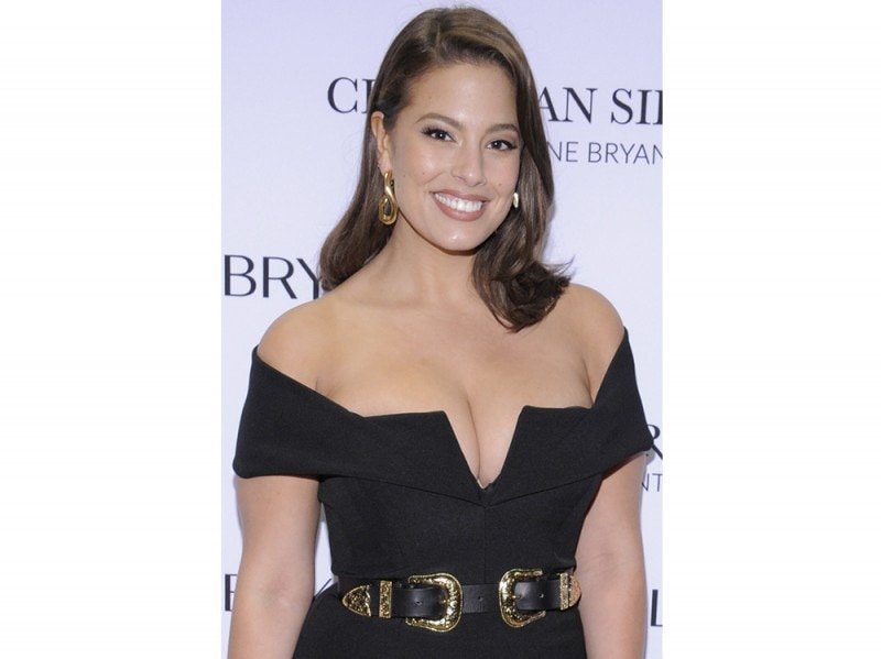 Ashley Graham beauty look trucco capelli (12)