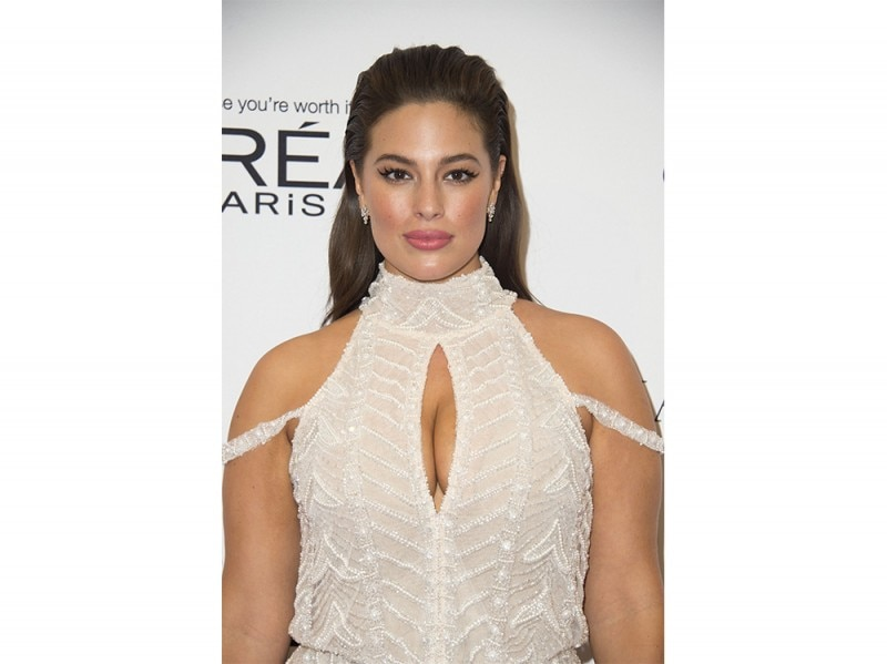 Ashley Graham beauty look trucco capelli (16)