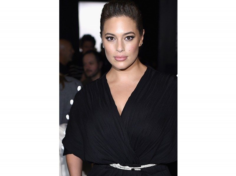 Ashley Graham beauty look trucco capelli (19)