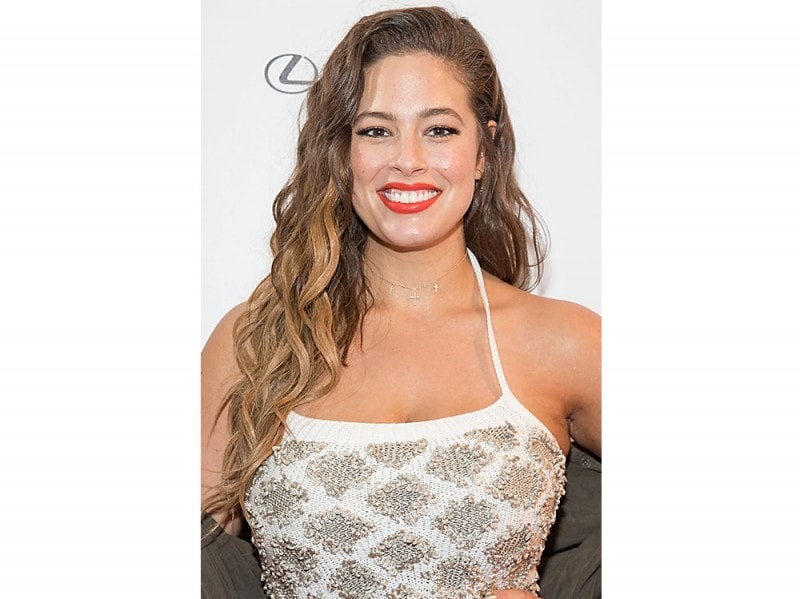 Ashley Graham beauty look trucco capelli (2)
