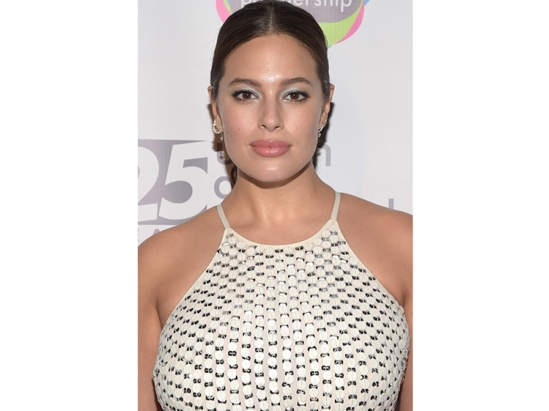 Ashley Graham beauty look trucco capelli (3)