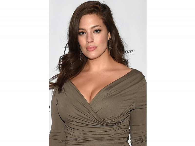 Ashley Graham beauty look trucco capelli (4)