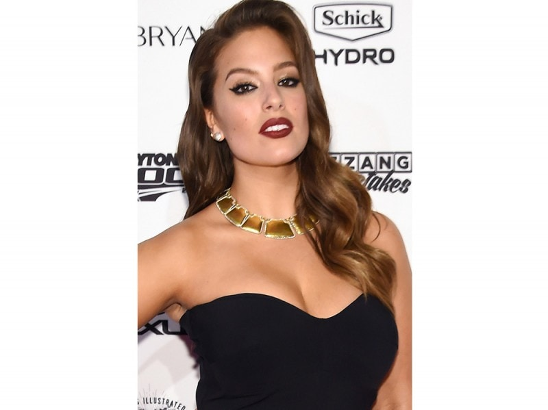 Ashley Graham beauty look trucco capelli (5)