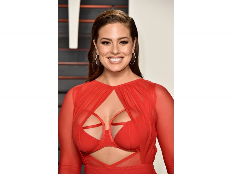 Ashley Graham beauty look trucco capelli (6)