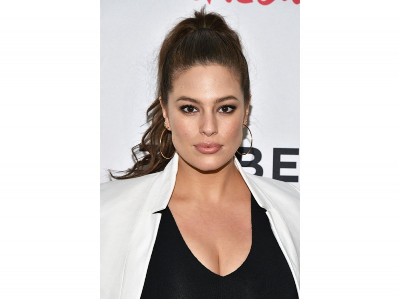 Ashley Graham beauty look trucco capelli (7)