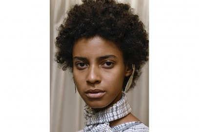 Capelli-ricci-trend-pe-2017_Creatures-of-the-wind_bst_W_S17_NY_026_2541269
