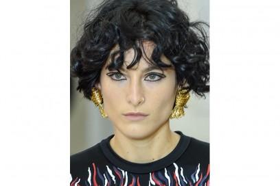 Capelli-ricci-trend-pe-2017_Louis-Vuitton_clprt_W_S17_PA_022_2502952