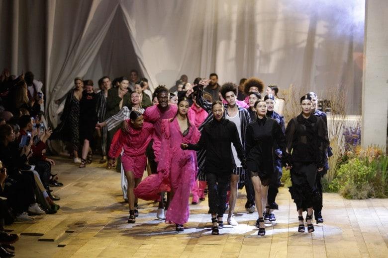 H&M Studio: la collezione P/E 2017 sfila a Parigi (ed è già in vendita)