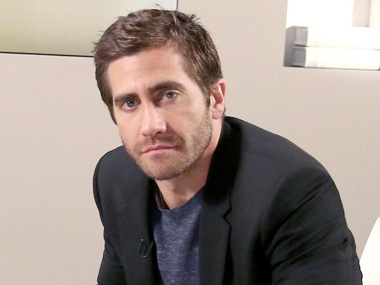 Jake-Gyllenhaal-cover-mobile