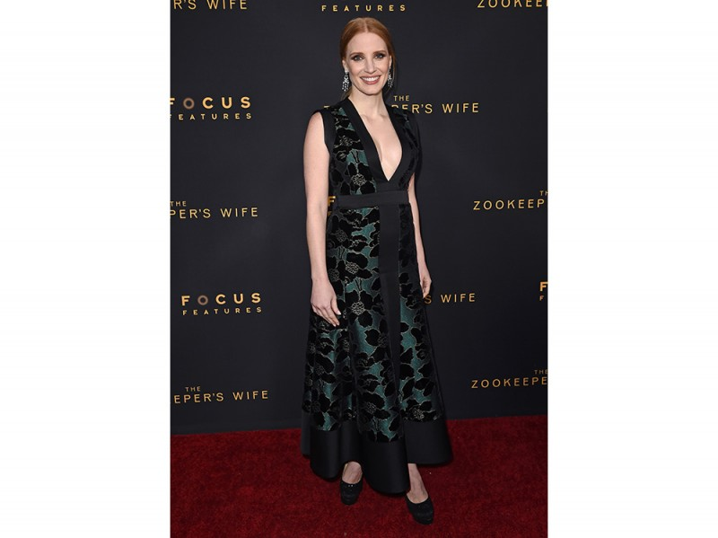Jessica-Chastain-in-Alexander-McQueen-splash