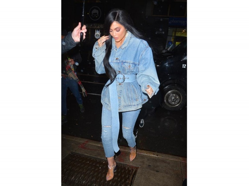 Kylie-Jenner-splash