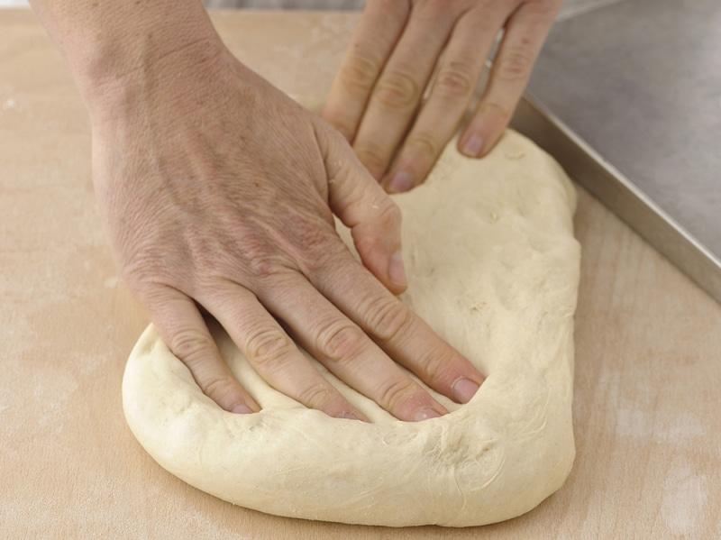 Pizza alta fatta in casa step 1