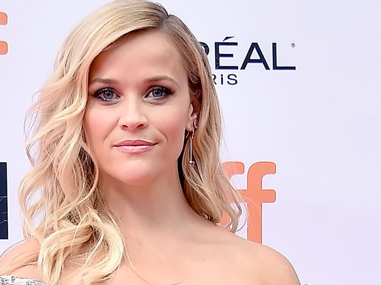 Reese-Witherspoon-cover-mobile