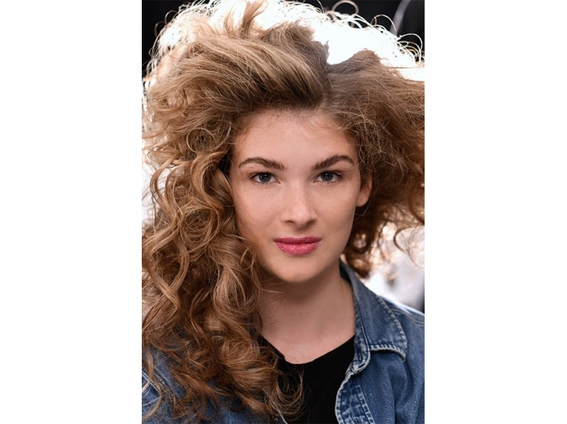 SS17-Beauty-Trend-Eighties_Chiara-Boni-La-Petite-Robe_bst_W_S17_NY_030_2521674