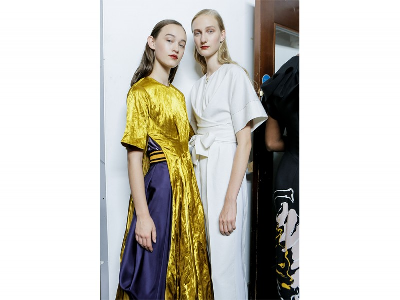 SS17-Beauty-Trend-Eighties_Roksanda_bksrt_W_S17_LO_007_2471585
