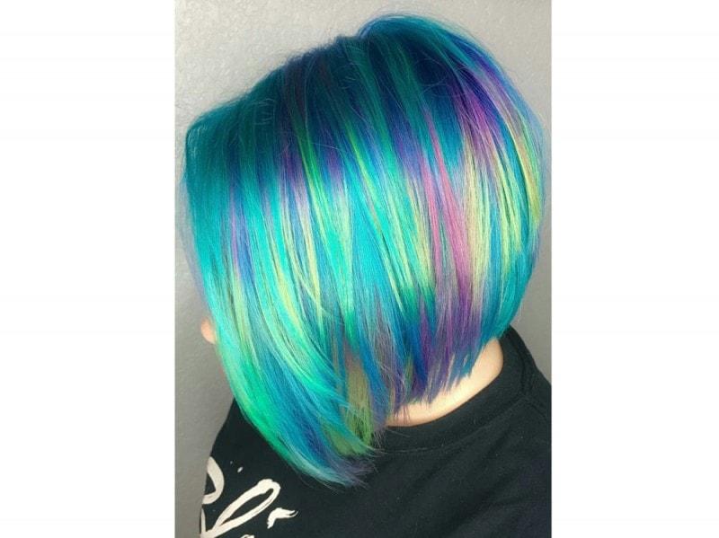 Tendenza Rainbow Hair I Capelli Arcobaleno Spopolano Su 46ffcf3108fc