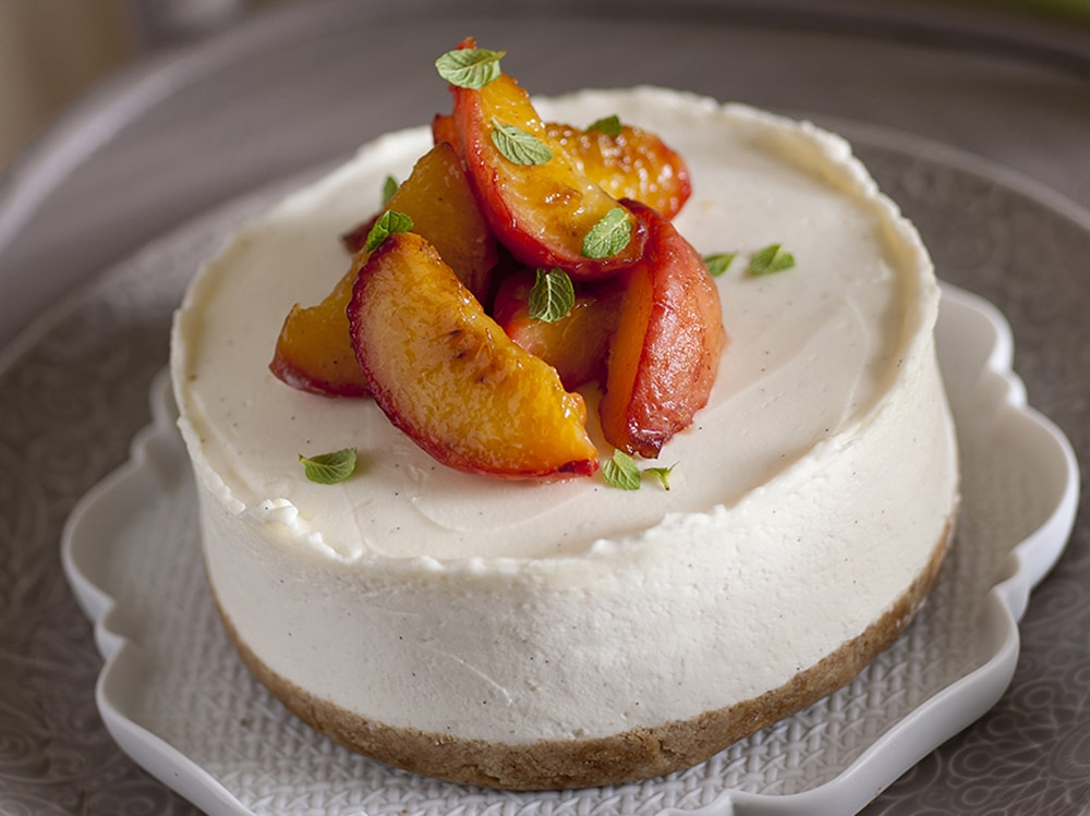 cheesecake fredda con pesche caramellate