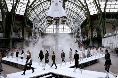 La sfilata di Chanel va diretta nello spazio