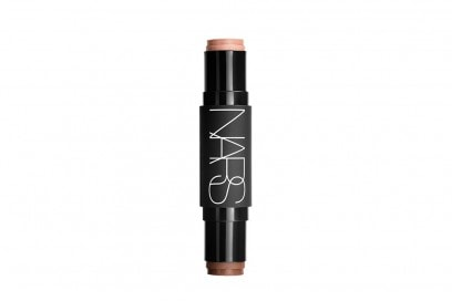 emily-ratajkowski-copia-il-make-up-nars-sculpt-multiple-duo