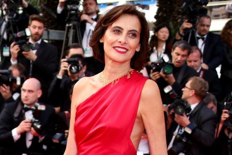 Ines de la Fressange: Vestiamoci senza paura