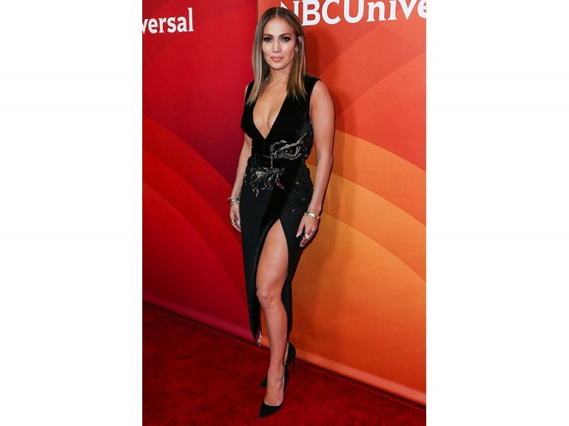 jennifer-lopez-in-Elie-Saab-splash