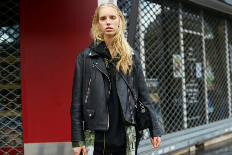 street style parigi 17 modella biker jacket