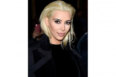 trucco occhi marroni capelli biondi kim kardashian 2