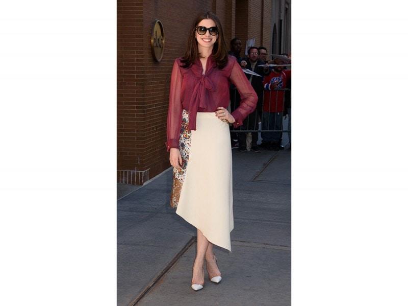 Anne-Hathaway-splash