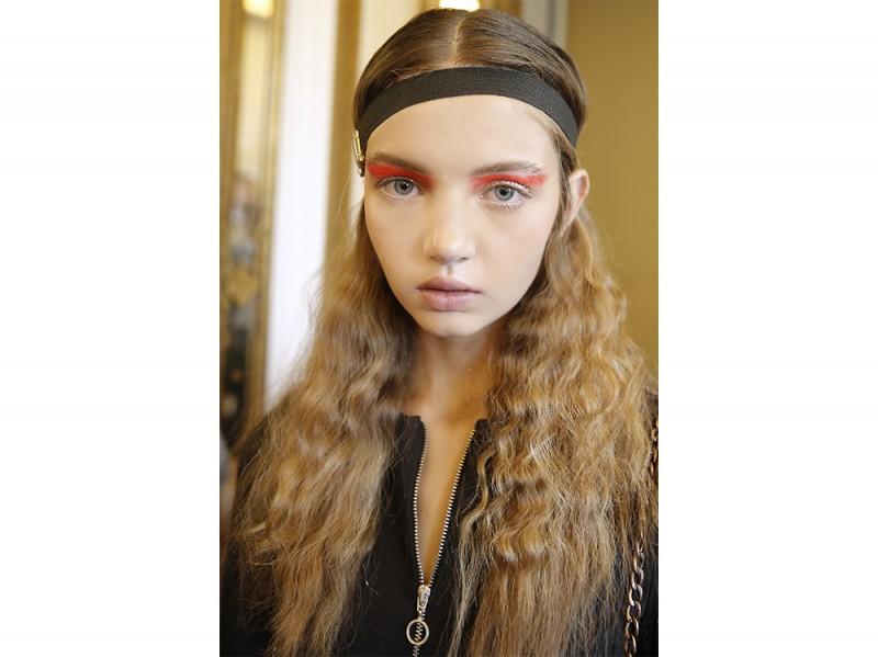 Acconciature semplici capelli lunghi