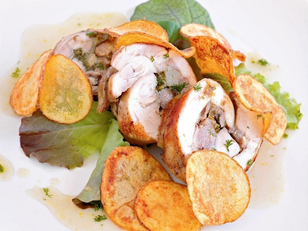 Coniglio porchettato al forno con patate (3)