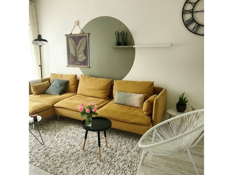 Come arredare la parete dietro al divano - Decorare parete dietro divano ...