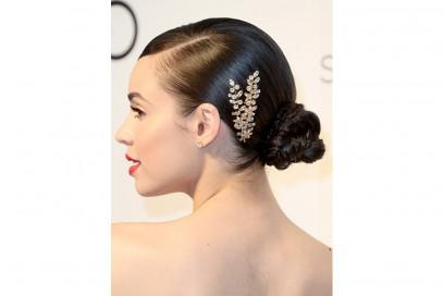 Sofia Carson capelli raccolti