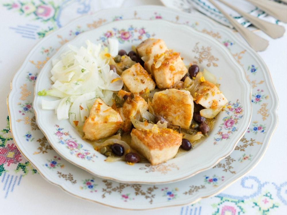 Spezzatino di pesce spada in padella con le olive  (3)