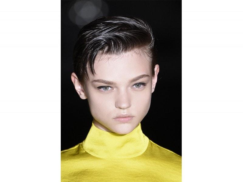 Acconciature semplici capelli corti
